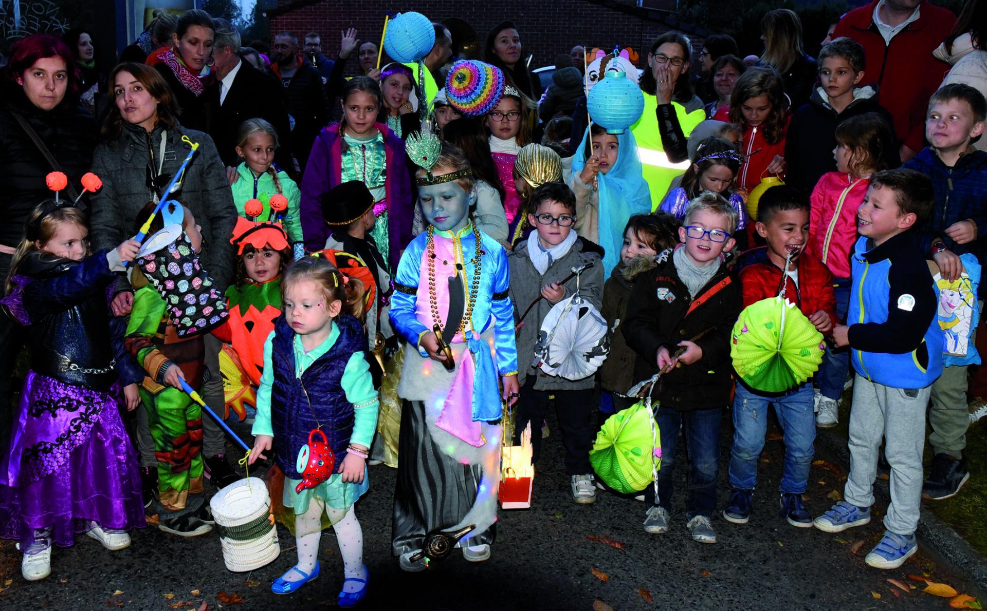 Le défilé des allumoirs, c'est dans tous les quartiers de Wattrelos simultanément.